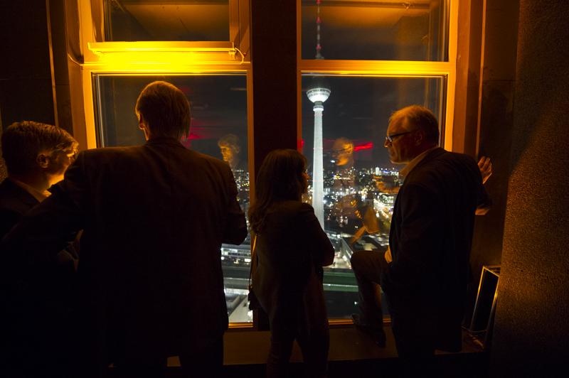DEU, Deutschland, Germany, Berlin, 11.11.2015: 3rd International mRNA Health Conference, Hotel Hilton Berlin. Networkin Evening at Panorama 37, Radisson Berlin Alexanderplatz. Photo: © Jens Jeske / www.jens-jeske.de
